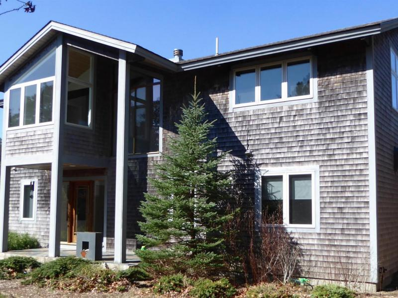 New  4 Bedroom Listing in Truro!