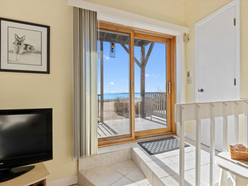 New 1 Bed 1 Bath Condo Listing in Provincetown!